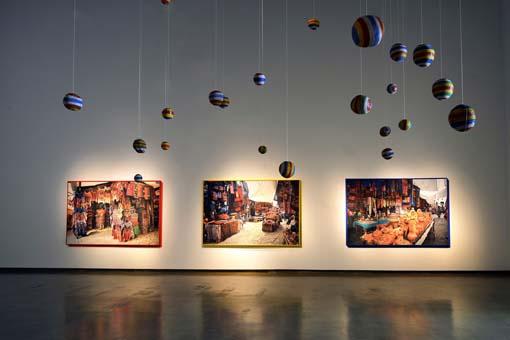 A exposição de Rochelle Costi vai até o dia 03 de dezembro