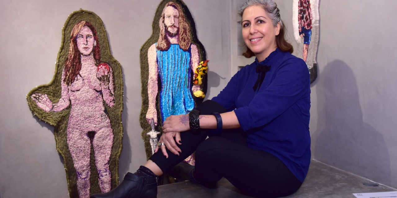 Angela Od apresenta a morte do herói na Galeria Movimento