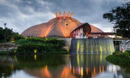 Chega ao Brasil telhado de palha sintéticareciclável,não inflamável e à prova d'água