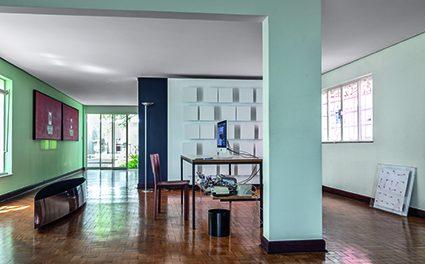 Morada-ateliê: o artista plástico Guto Lacaz abre as portas de sua casa, em São Paulo.