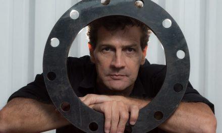 Arquiteto do Rock in Rio e da Cidade do Samba, João Uchôa lança livro sobre sua trajetória