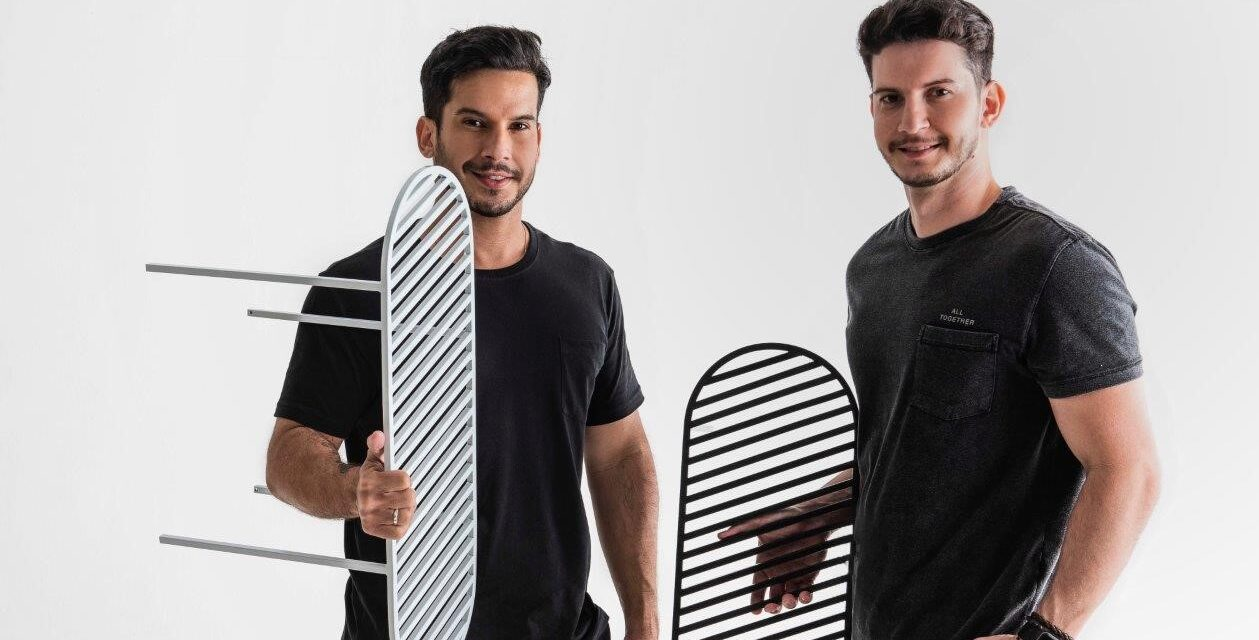 Os arquitetos Carlos e Caio Carvalho lançam marca própria de mobiliário